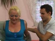Alte Frau beim privaten Porno Casting