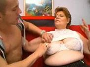 BBW Oma geht zum Pornocasting