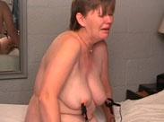 Devote Oma im Sadomaso Porno