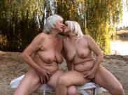 Lesbische Omas auf dem Campingplatz