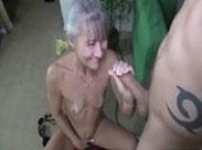 Rentnerin will endlich wieder eine feuchte Grotte kriegen