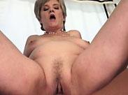 Schwanz hungrige Rentnerin gefickt