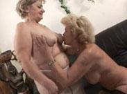 2 Lesben Grannies auf Abwegen