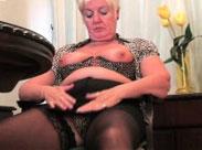 Diese Großmütter sind süchtig nach ihrer Muschi