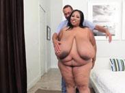 Richtig fette Großmutter mit dicken Titten
