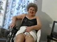 Seniorin beim privaten Porno Casting