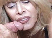 Perverse Granny befriedigt Kerl mit Oralsex