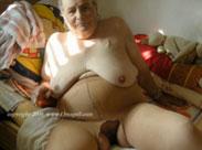 Nacktfotos von geilen Omas