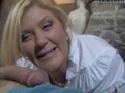 Reife Gilf praktiziert Oralsex