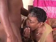 Schwarze Oma bläst