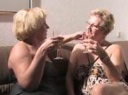 Lesbische Grannies mit Stil