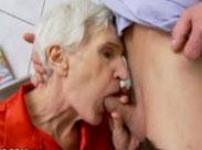 Blasende Granny wird heimlich gefilmt