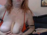 Ranzige Oma zeigt vor der Webcam alles
