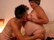 Zwei sehr alte, lesbische Omas