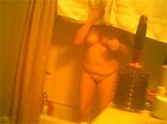 Omi heimlich beim Duschen gefilmt