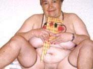 Uralte Frauen zeigen ihre nackten Natur Titten