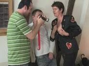 Oma von der Strasse vor die Porno Kamera geholt
