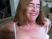 Opa filmt seine Oma beim Masturbieren