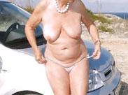 Alte Omas sonnen sich gern nackt