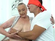 Domina in Rente braucht immer noch Sex