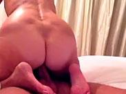 Oma möchte nicht erkannt werden in diesem Porno