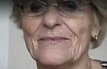 80 Jährige zeigt ihre Titten vor der Webcam