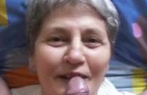 Oma bläst zum ersten Mal Opas Schwanz