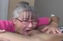 Oma lässt sich keinen Schwanz entgehen
