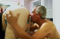 Opa findet Omas fetten Arsch geil