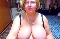Webcamsex Omi mit dicken Titten