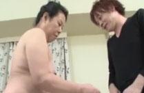 Asia Oma steht auf guten Sex