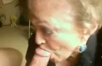 70 Jährige bläst Schwanz