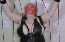 Der fetten Oma auf die Titten gehauen