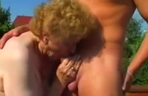Oma hat dicke Titten
