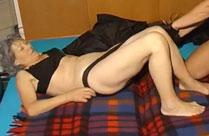 Omas schauen Omas gern beim Sex zu