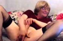 Oma hat Sex mit sich selbst