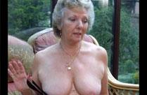 Gut aussehende Omas zeigen sich nackt
