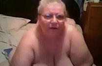 Fette Oma macht Webcamsex