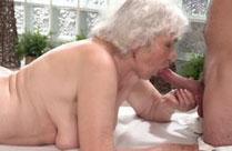 Oma vom Masseur gevögelt
